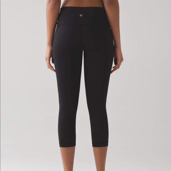21d27c9210f61 lululemon athletica Pants | Lululemon Black 4 Mid Rise Capri ...
